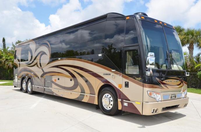 2012-elegant-lady-luxury-motor-coach-introduced-38306_1